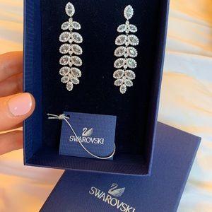 Beautiful Swarovski Baron Drop Earrings